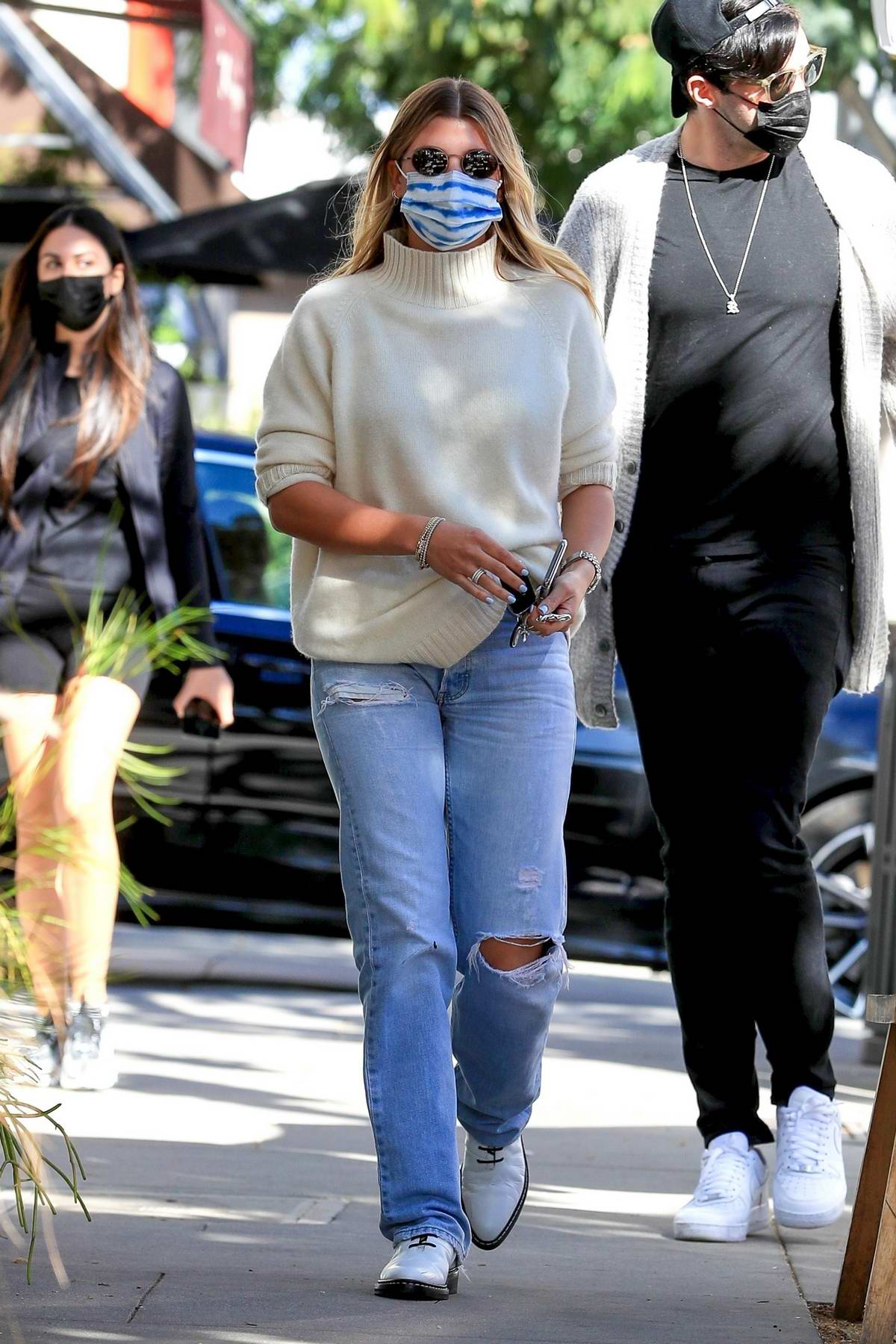 Sofia Richie steps out to pick up food to go with a friend in Beverly Hills, California