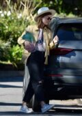 Olivia Wilde seen picking up her kids at Jason Sudeikis' house in Los Angeles