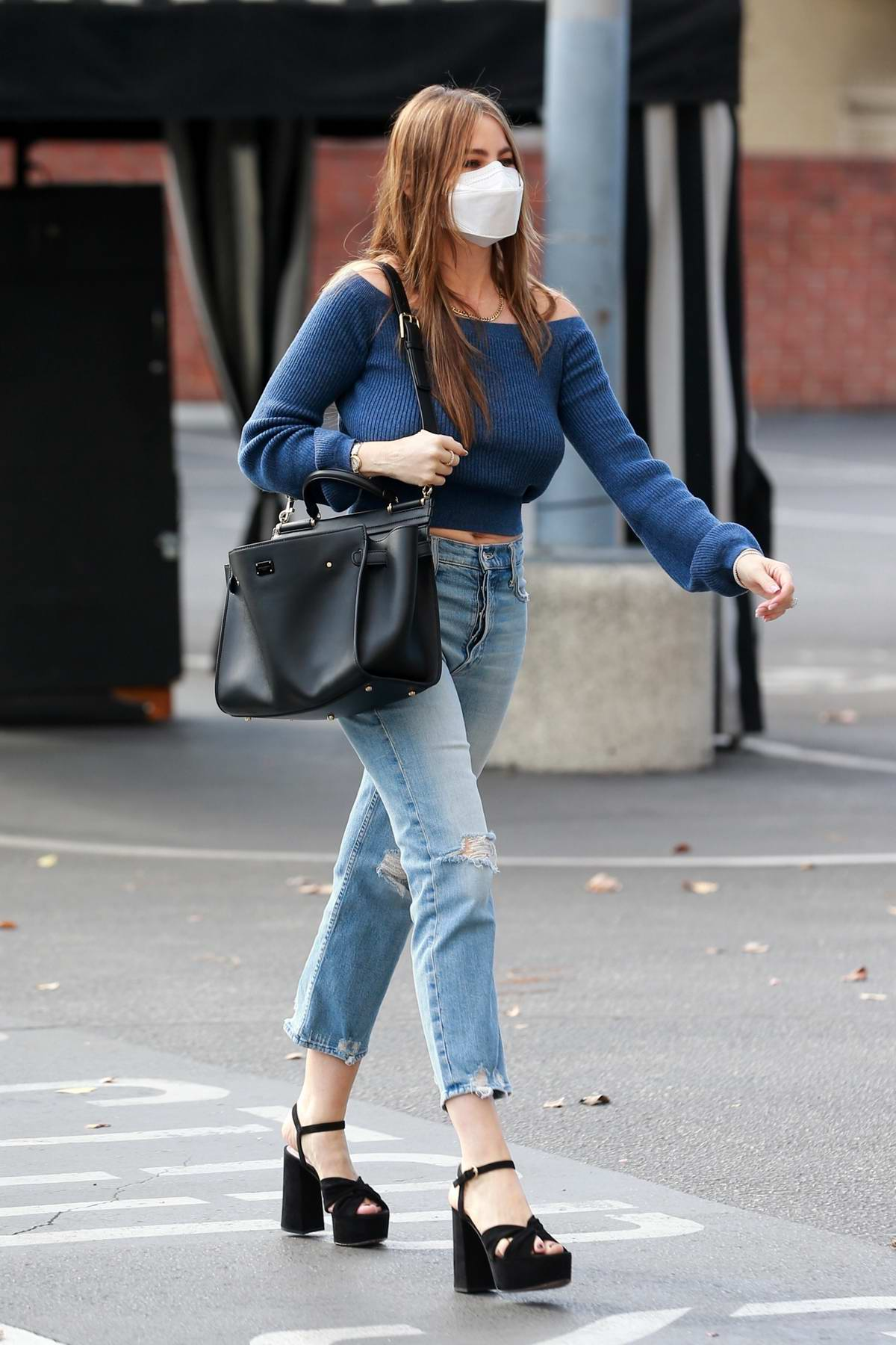 Sofia Vergara gets some Christmas shopping done at Saks Fifth Avenue in Beverly Hills, California