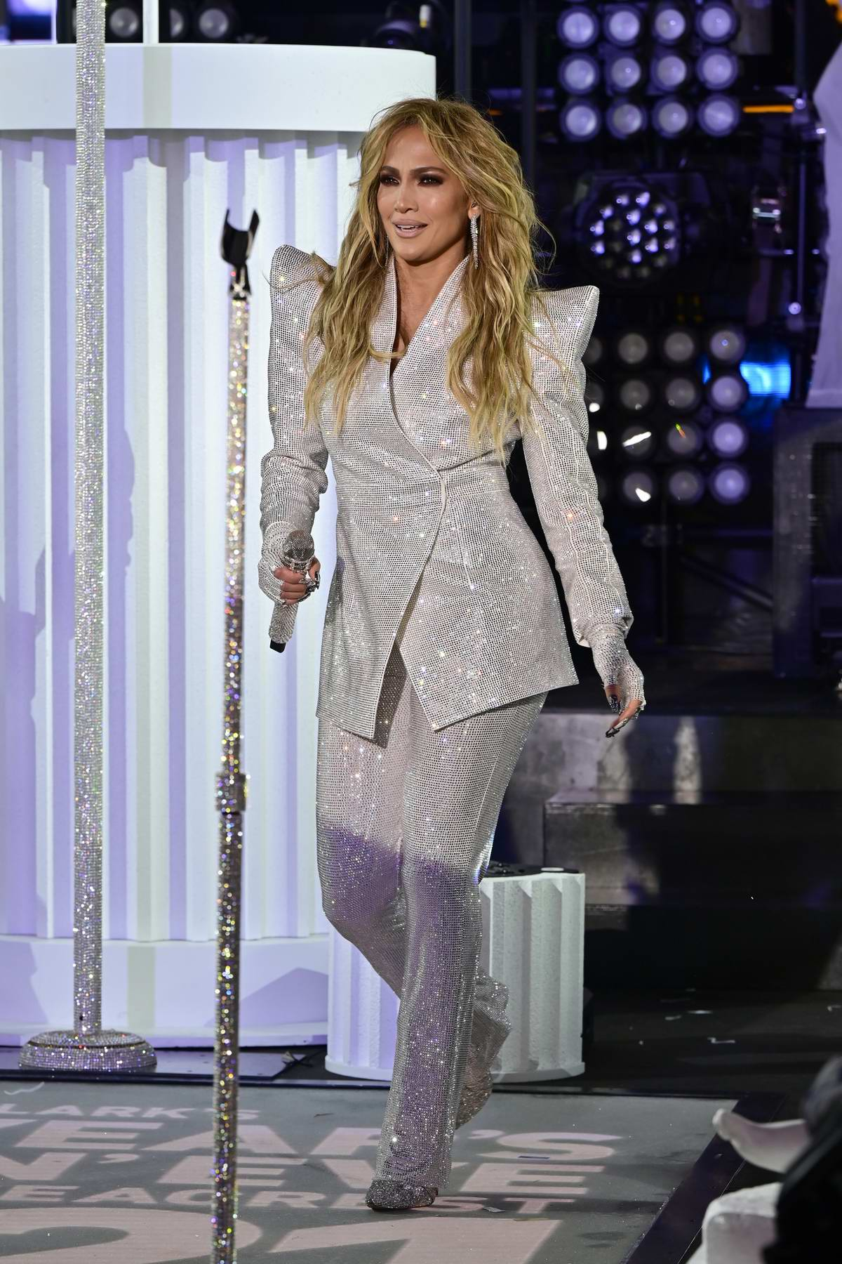 Jennifer Lopez performs live at Dick Clark's New Years Rockin' Eve at Times Square in New York City