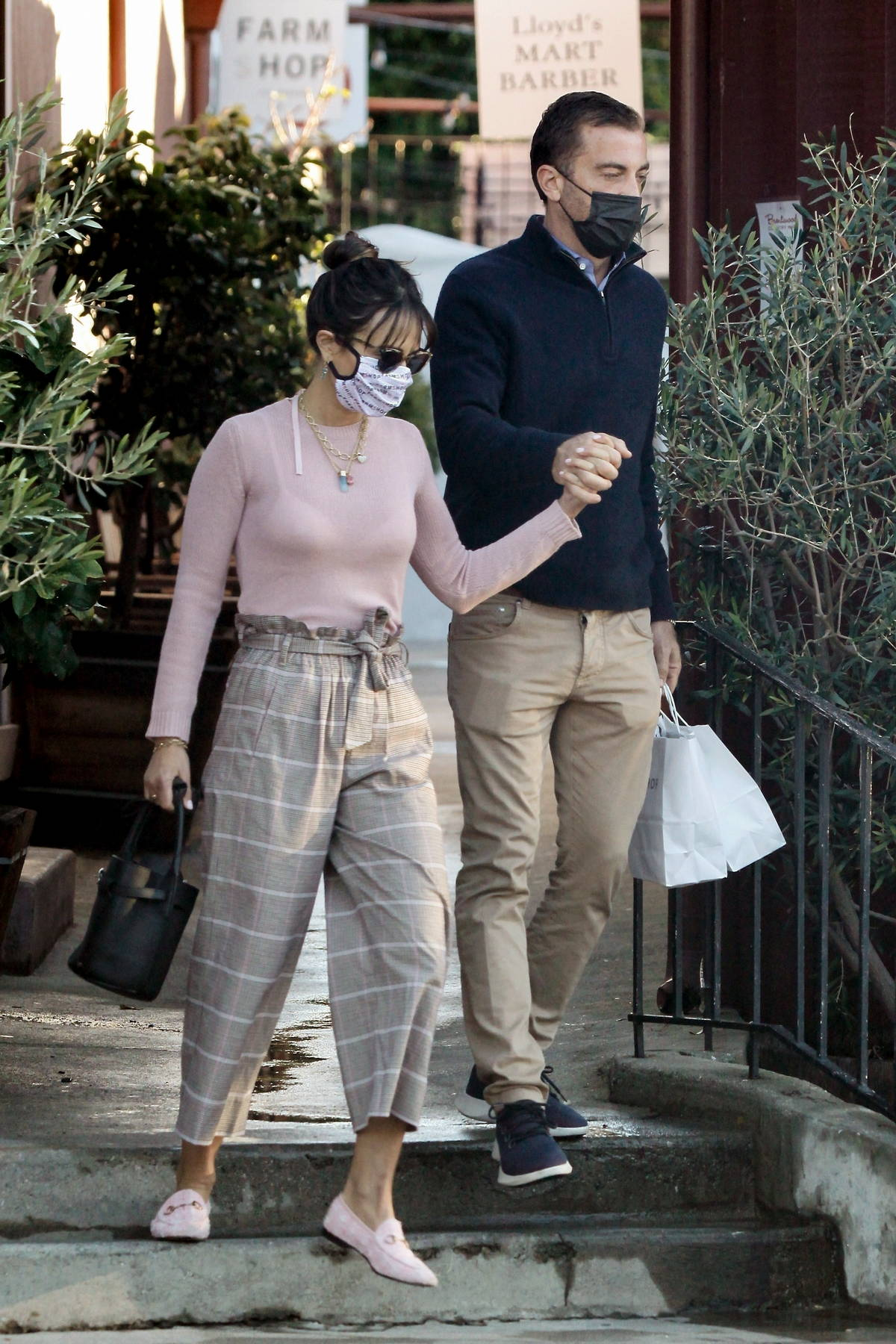 Jordana Brewster holds hands with boyfriend Mason Morfit as they go shopping at Farmshop in Los Angeles