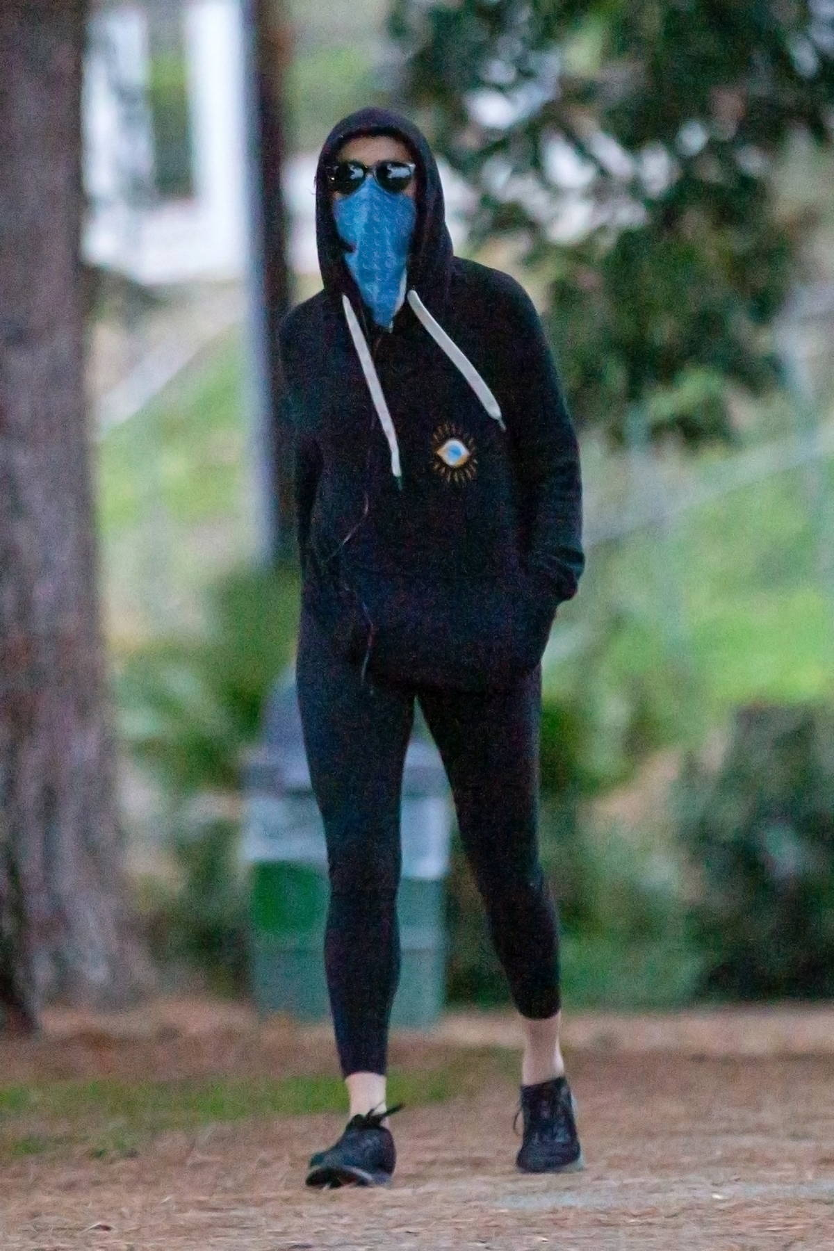 Amber Heard goes incognito while out on a late afternoon hike in Griffith Park, Los Angeles