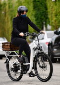 Jennifer Garner enjoys a ride on her new electric bicycle with her son Samuel in Brentwood, California