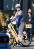 Katy Perry and Orlando Bloom enjoy some bike ride in Santa Barbara, California