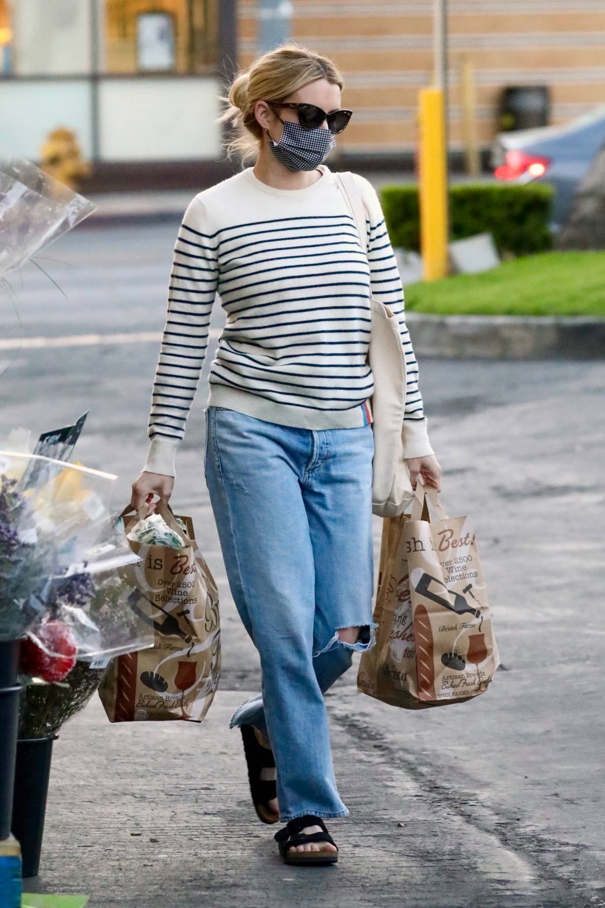 Emma Roberts spotted out grocery shopping at Bristol Farms in Beverly Hills, California