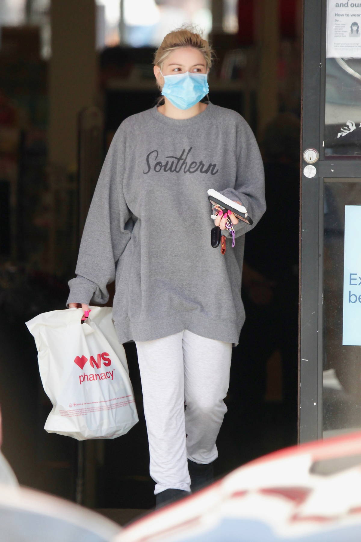 Ariel Winter seen wearing oevrsized sweats while shopping at a local CVS store in Los Angeles