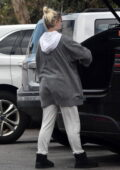 Ariel Winter wears comfy sweats while dropping off her dog at the veterinarian in Studio City, California