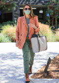 Jessica Alba cuts a stylish figure as she heads to the Honest Company headquarters in Los Angeles