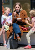 Kristen Bell takes her daughters out for ice cream at Jeni's in Los Feliz, California