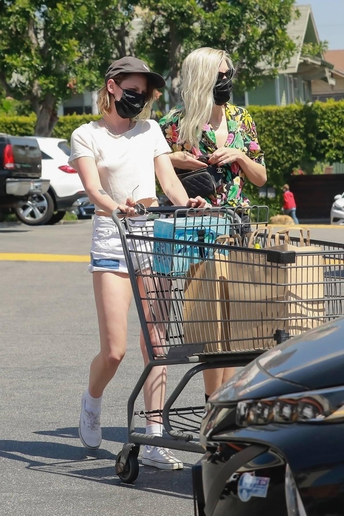 Kristen Stewart goes grocery shopping with girlfriend Dylan Meyer at Gelson's Market in Los Feliz, California