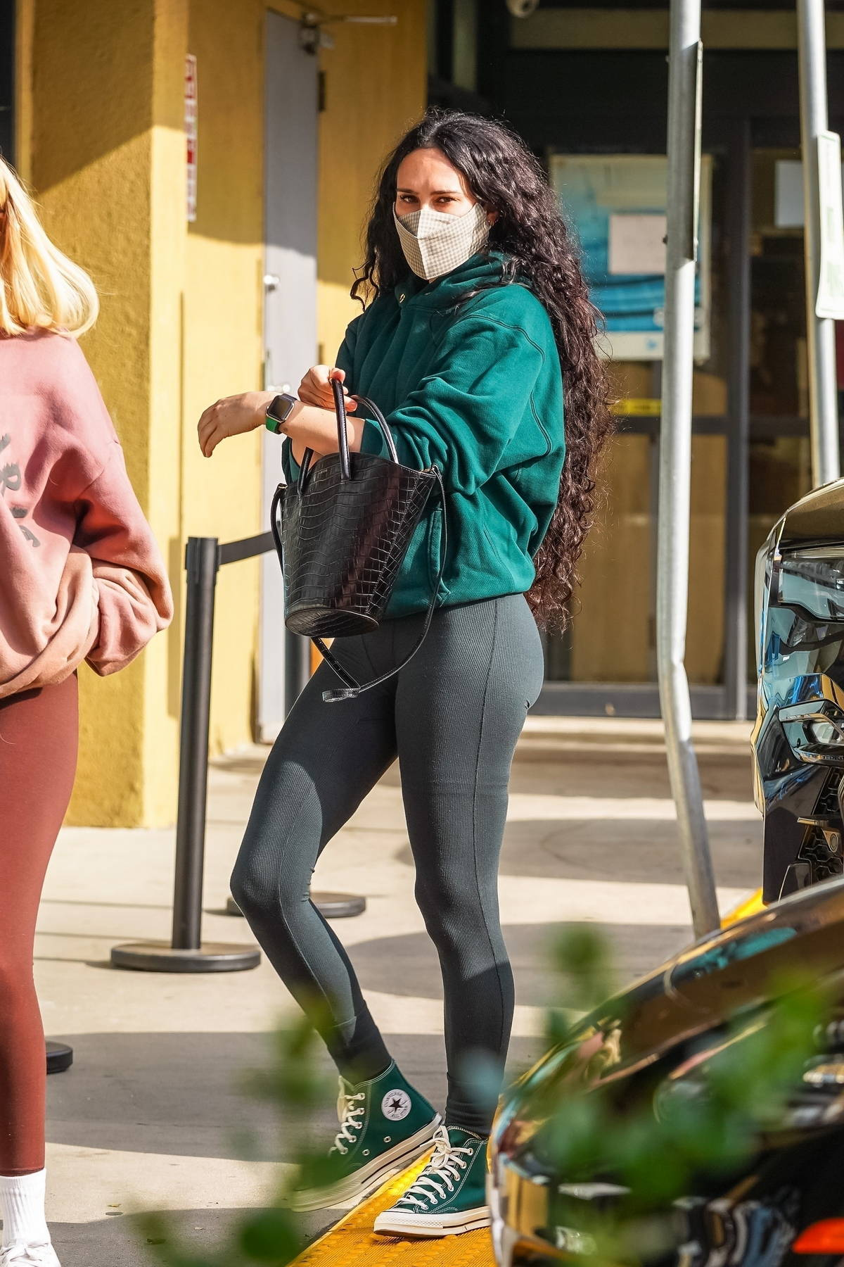 Rumer Willis leaves her morning Pilates class and stops to grab some post-workout smoothie at EarthBar in West Hollywood, California