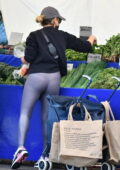 Sarah Michelle Gellar rocked a pair of yoga pants as she shops the Farmers Market with her mother in Brentwood, California