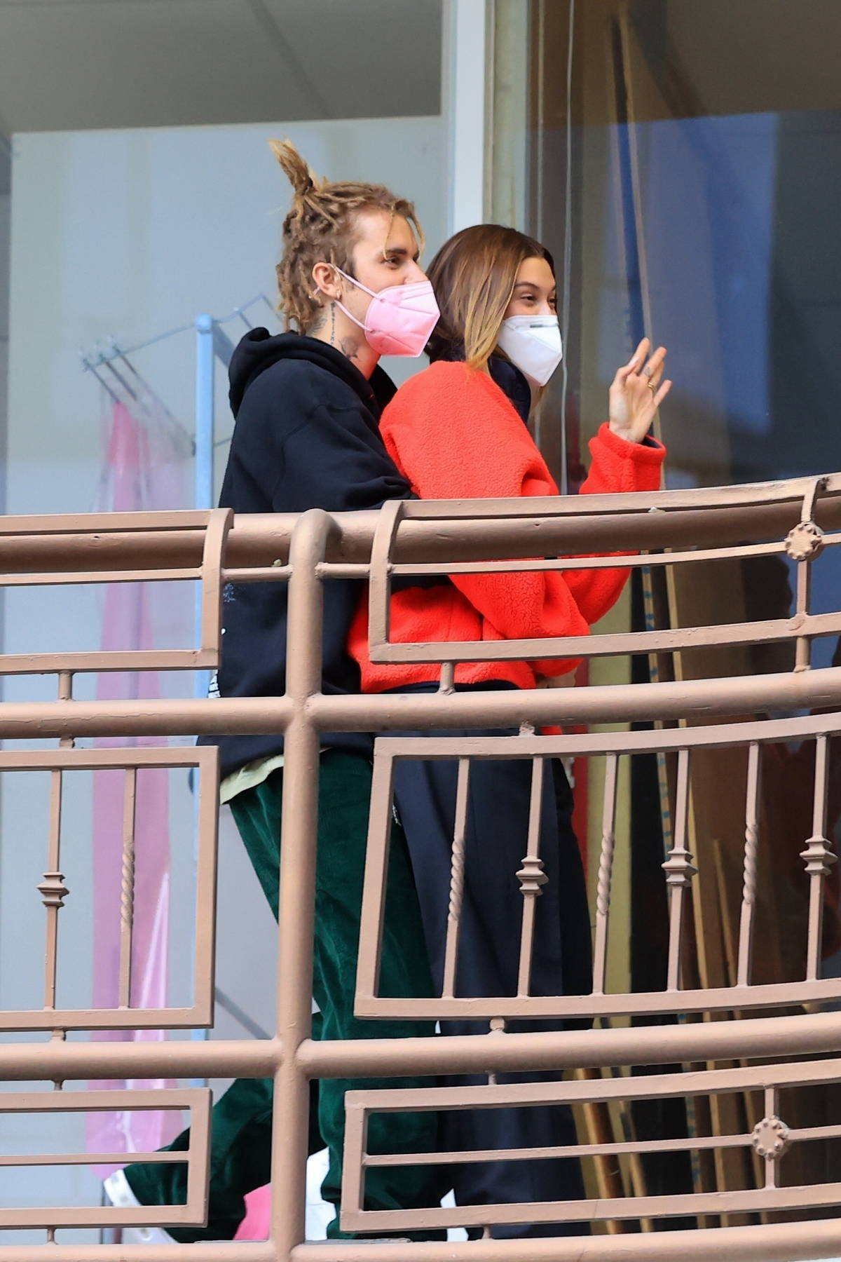 Hailey Bieber visits a hair salon before heading out to dinner with Justin Bieber at Sushi Park in Los Angeles