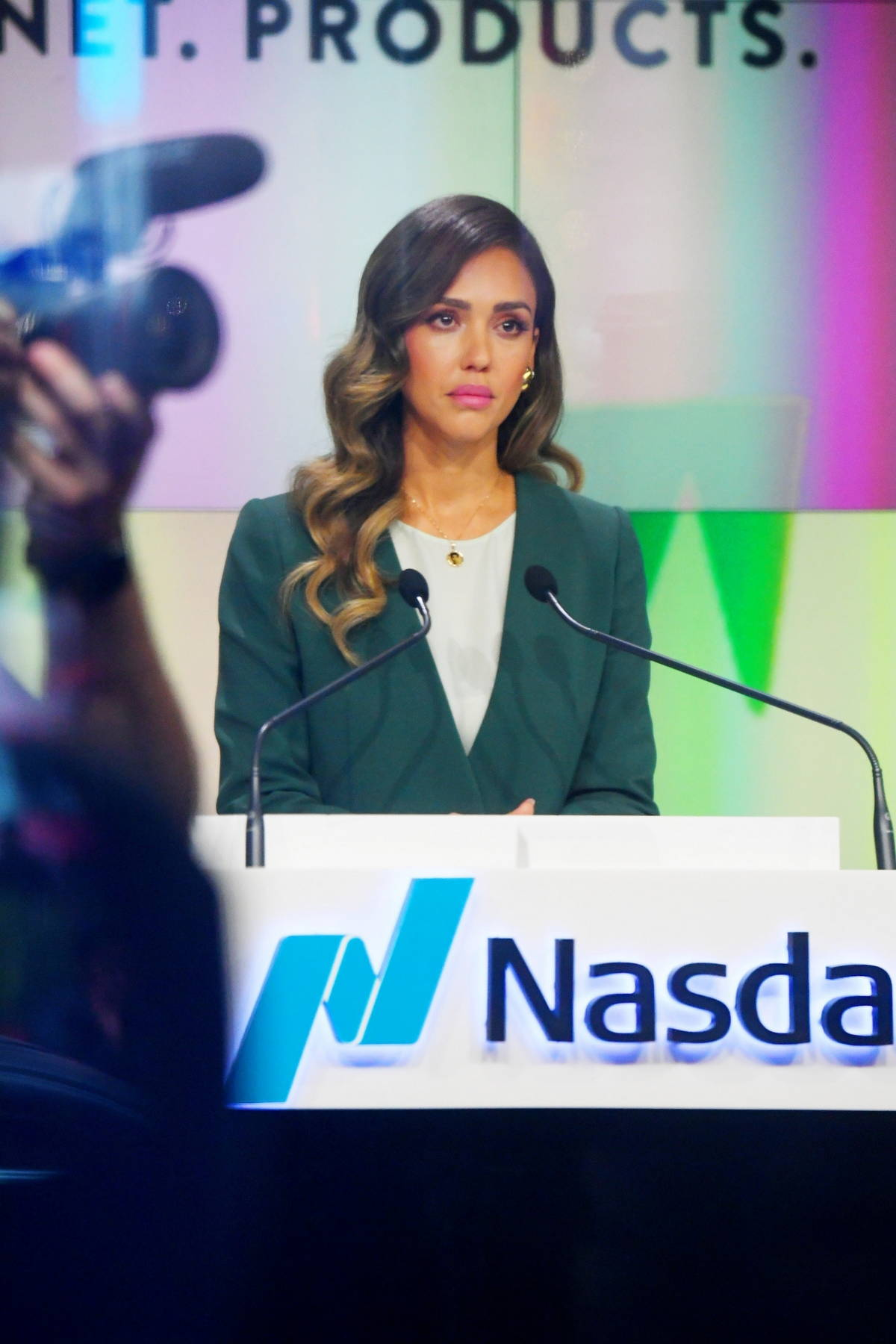 Jessica Alba rings the opening bell in celebration of Honest Company's IPO in New York City
