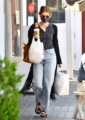 Katherine Schwarzenegger goes on a food run at the Pacific Palisades Market in Los Angeles