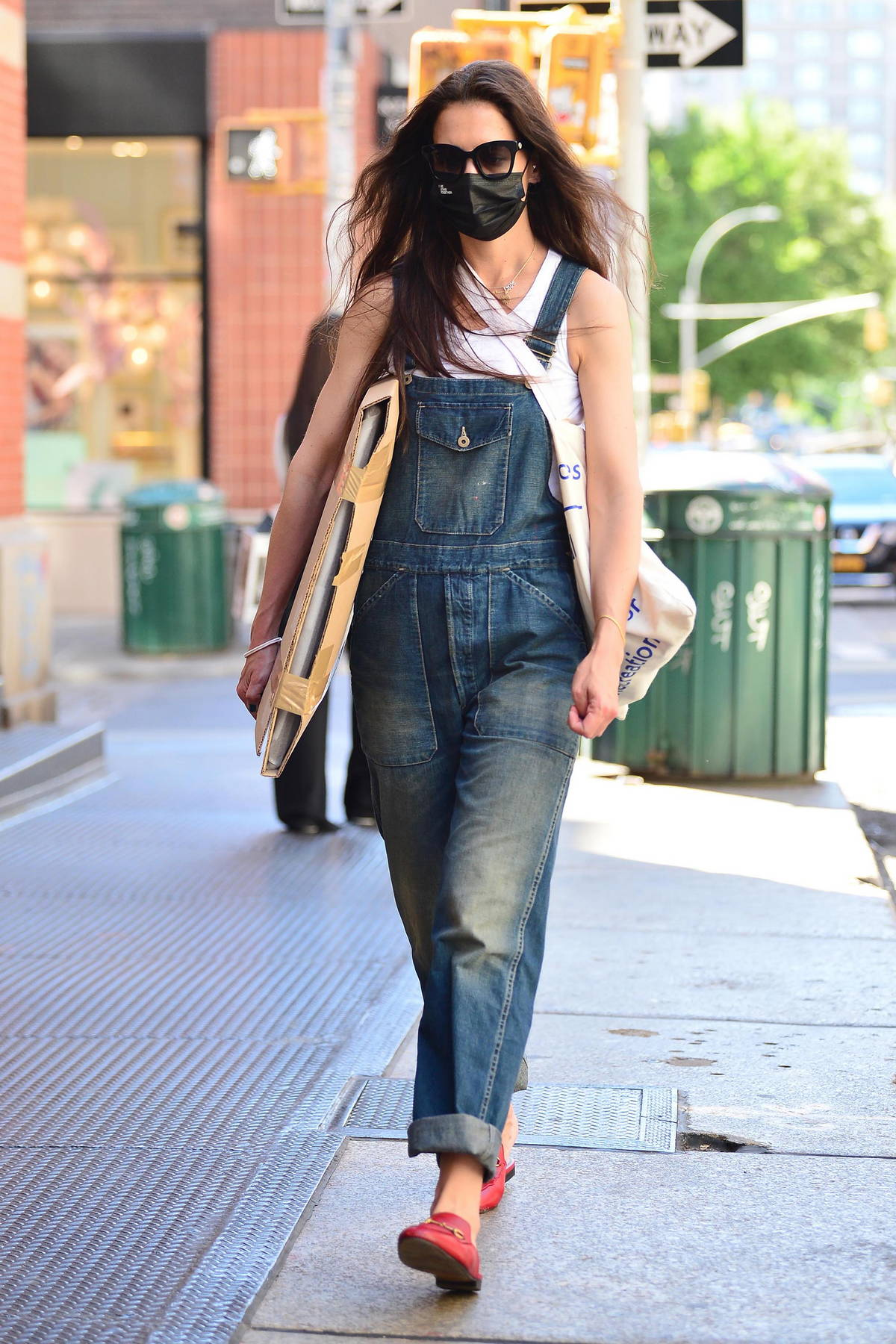 Katie Holmes seen strolling through SoHo visiting various art supply stores in New York City