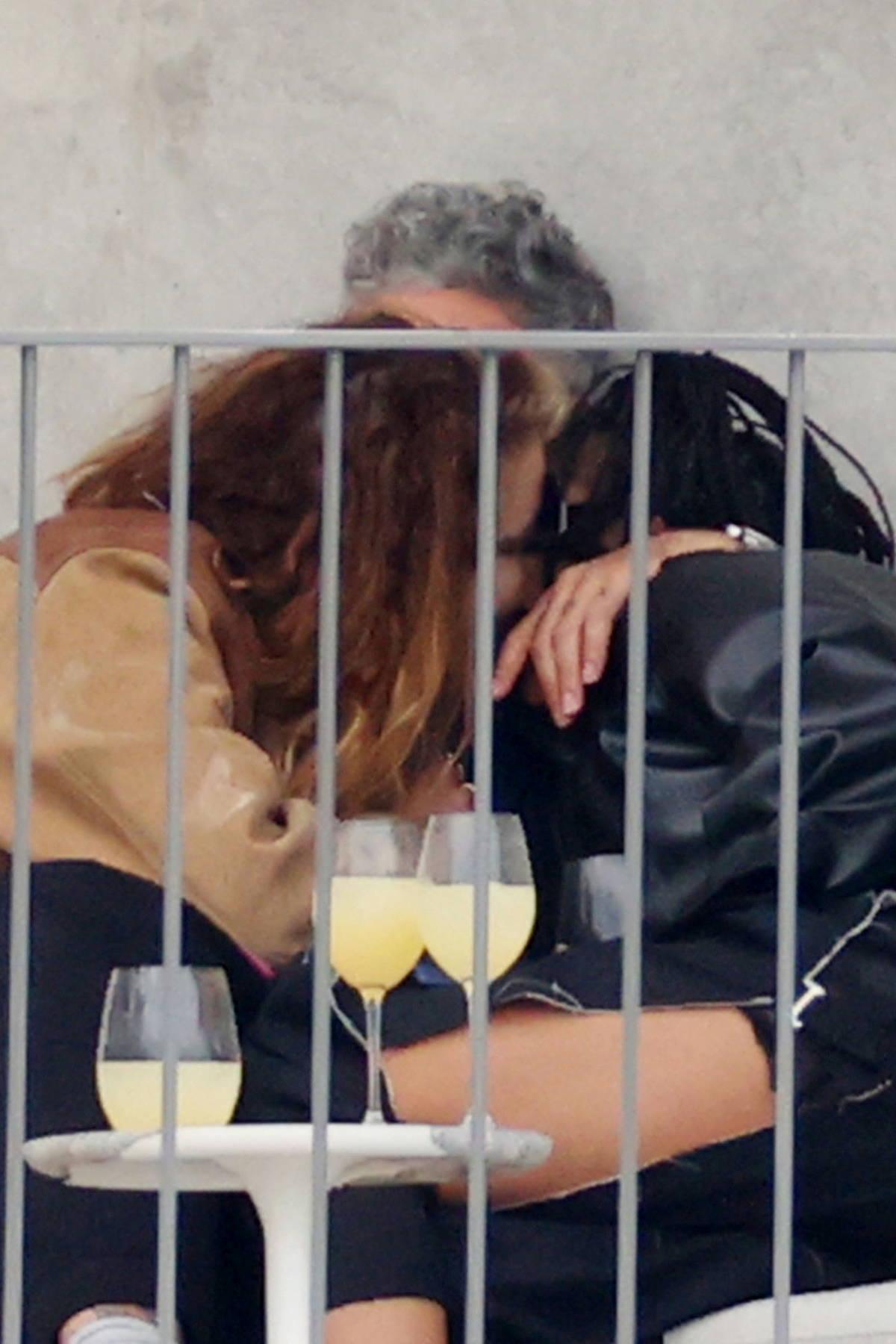 Rita Ora spotted kissing Tessa Thompson and boyfriend Taika Waititi at his place in Sydney, Australia