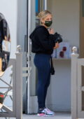 Sarah Michelle Gellar makes a stop for a post-workout drink at Blue Bottle Coffee in Los Angeles