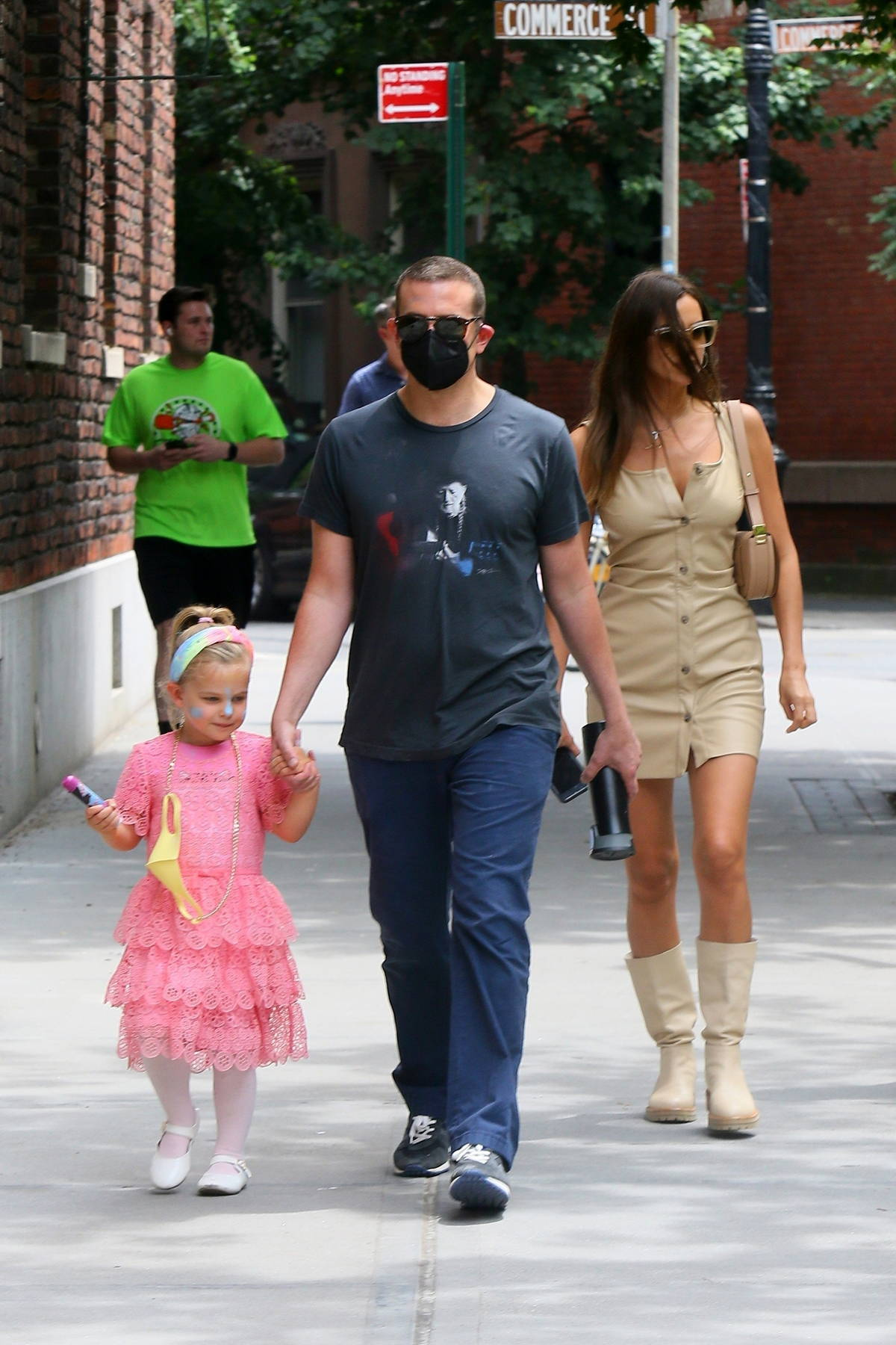 Irina Shayk and Bradley Cooper reunited together to spend some quality time with their daughter Lea in New York City