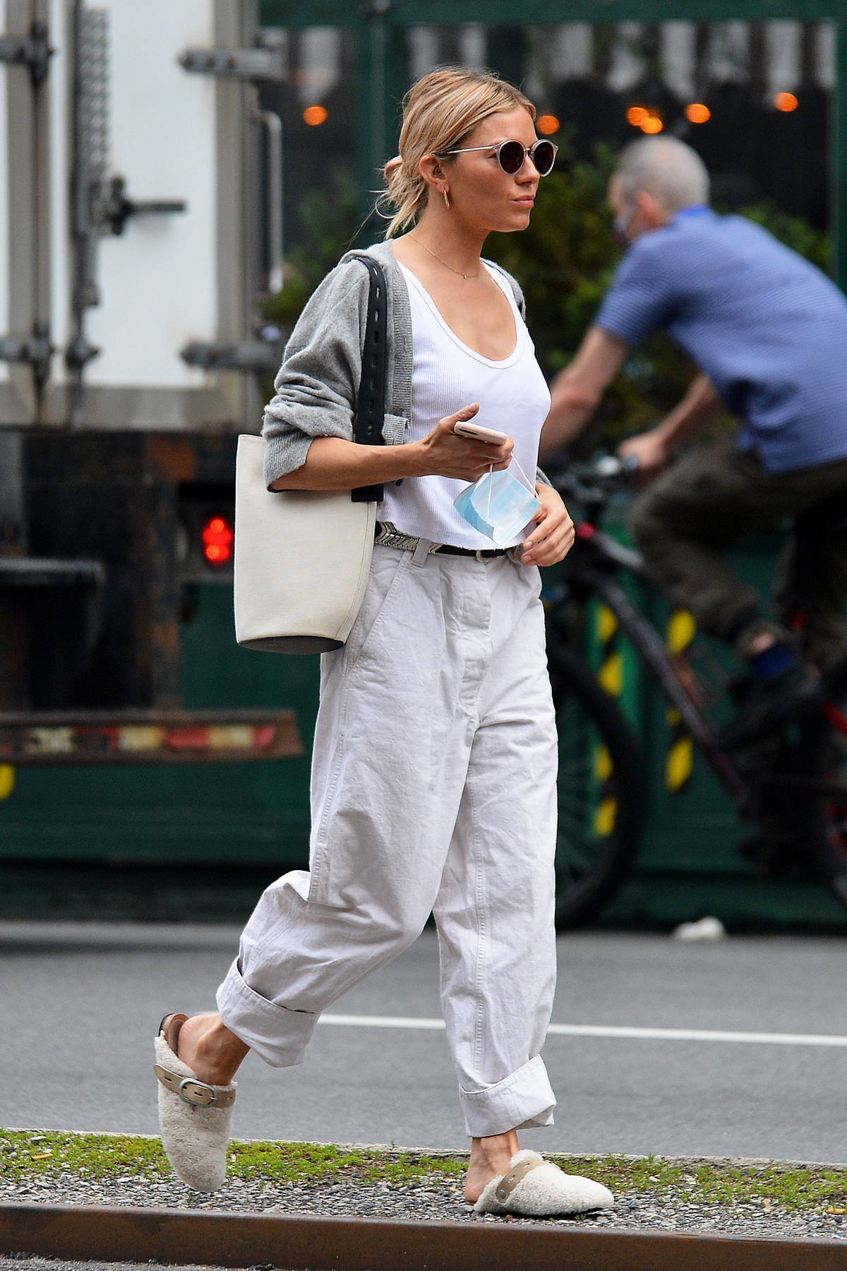 Sienna Miller keeps it casual while out running a few errands in New York City