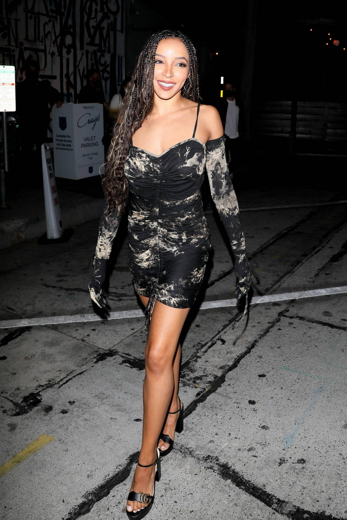 Tinashe strikes a pose while leaving dinner with friends at Craig's in West Hollywood, California
