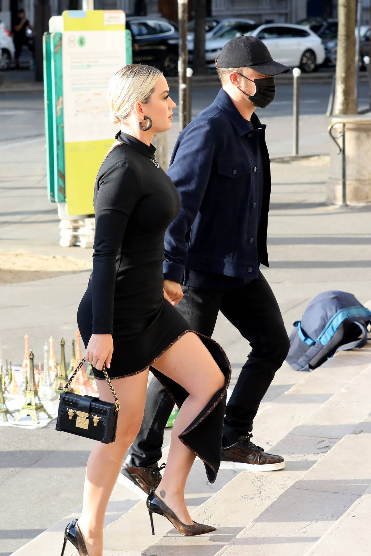 Katy Perry looks stunning in a black dress while heading to dinner with Orlando Bloom at the 'La Girafe' in Paris, France