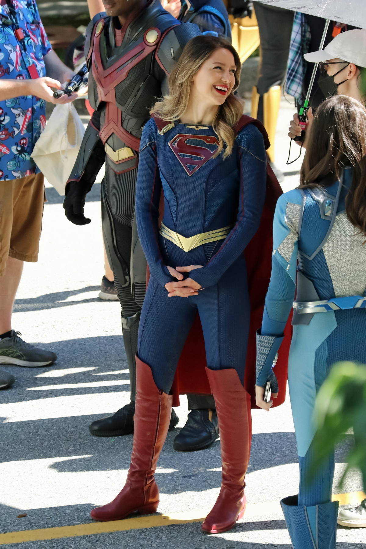 Melissa Benoist is all smiles while filming on the set of 'Supergirl' in Vancouver, Canada