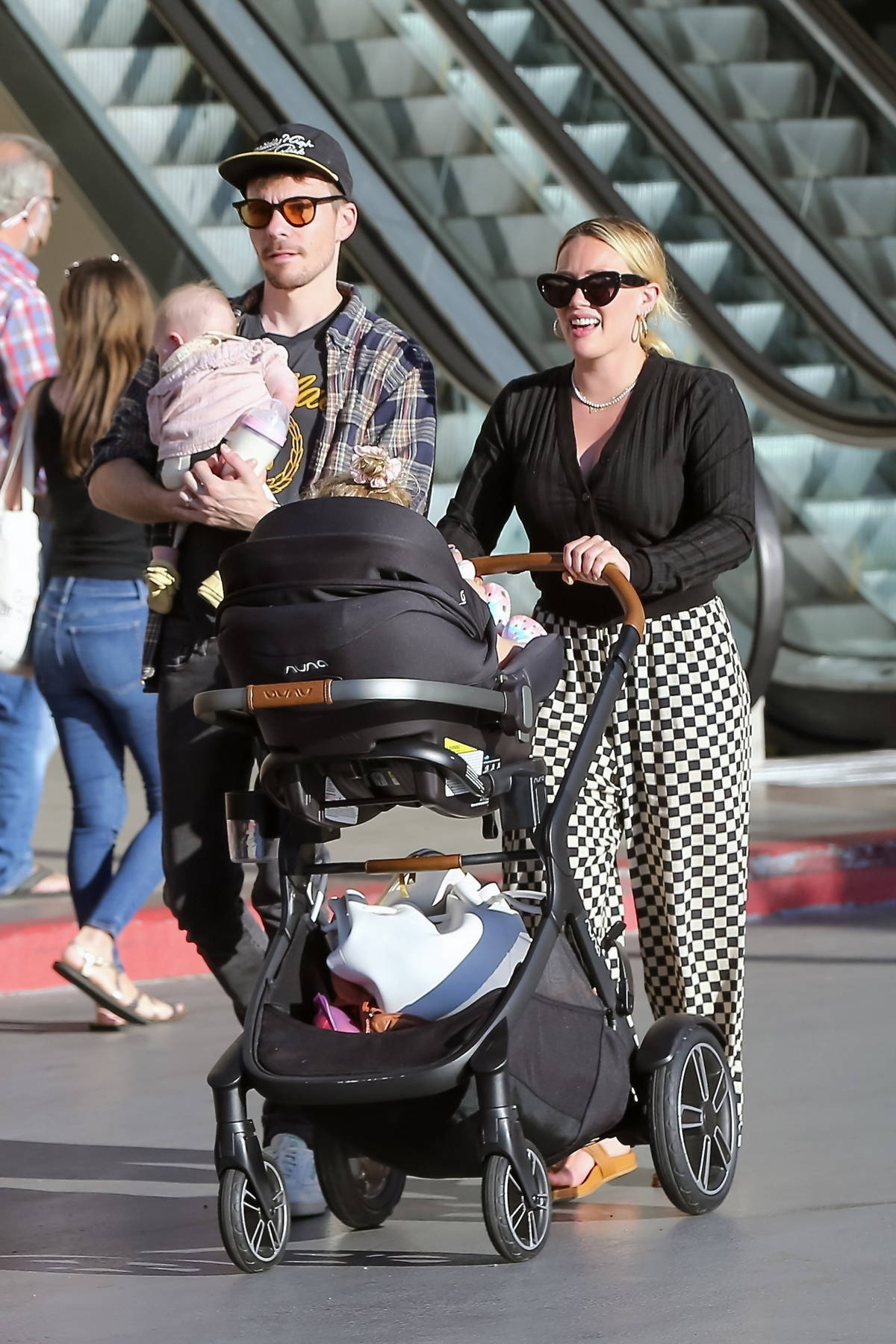Hilary Duff and husband Matthew Koma took their daughters to dinner in Studio City, California