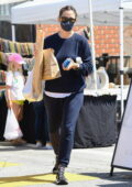 Jennifer Garner keeps cozy in a navy sweatsuit for a shopping trip at the farmer's market in Pacific Palisades, California