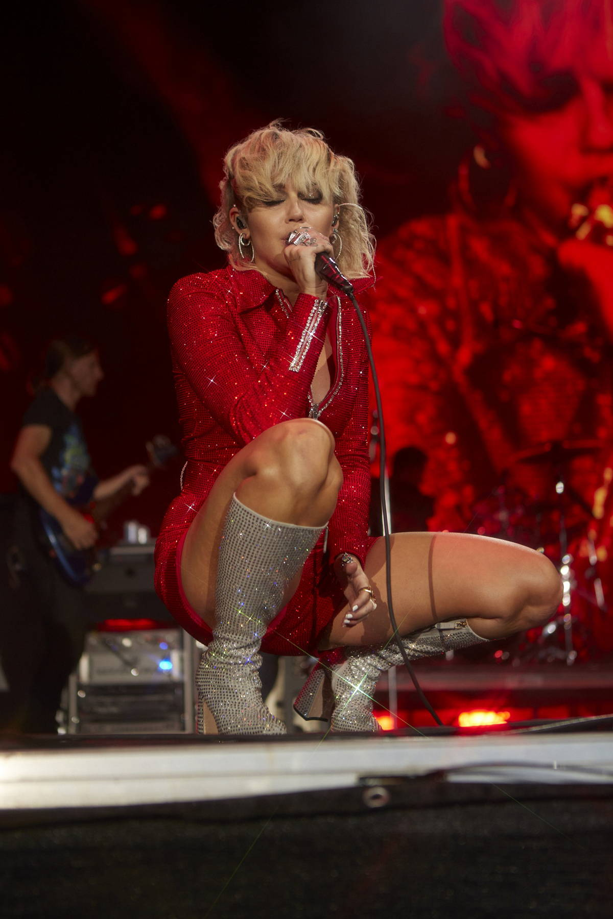 Miley Cyrus performs live on stage during Lollapalooza 2021, Day 1 Grant Park Chicago, Illinois