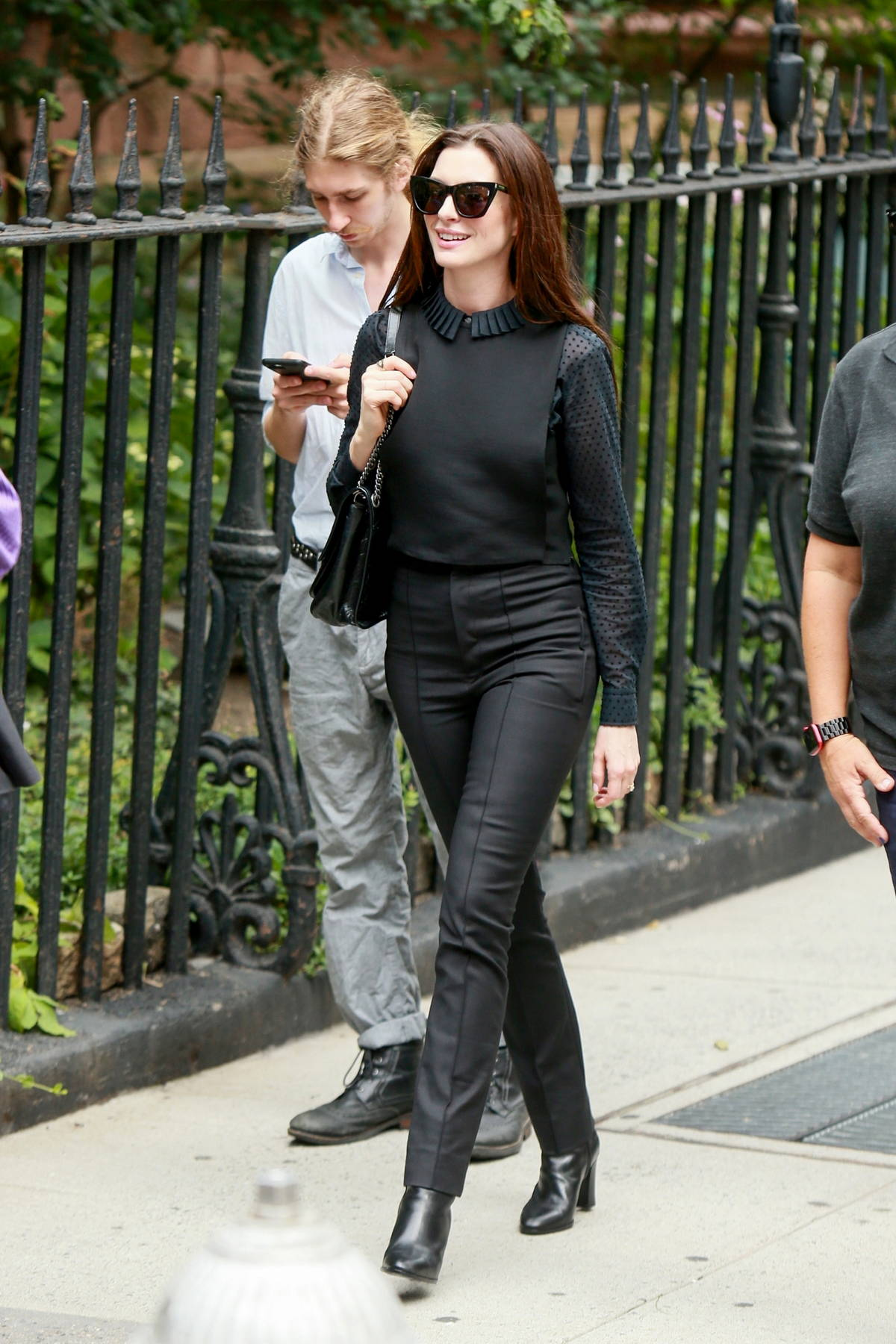 Anne Hathaway looks amazing in all-black while filming 'WeCrashed' with Jared Letto in Manhattan, New York City