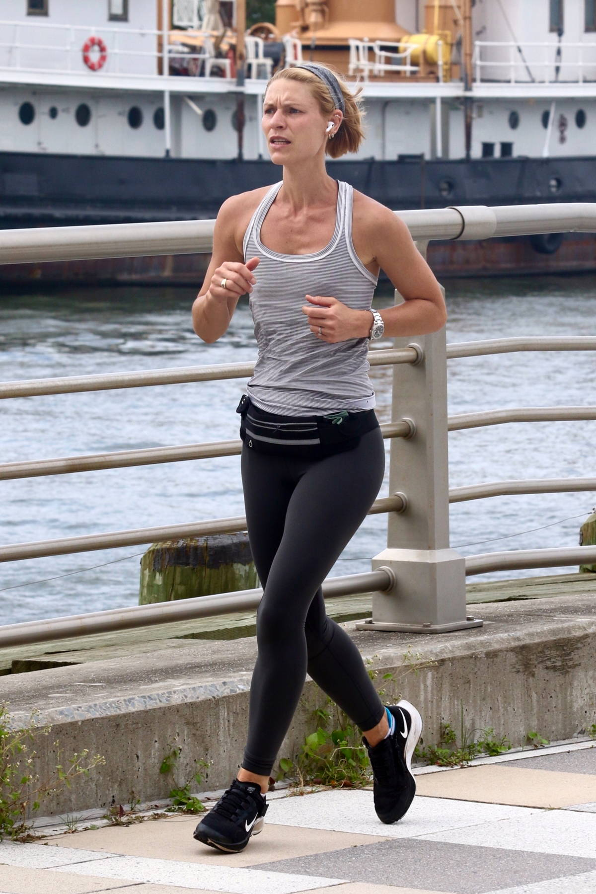Claire Danes shows her toned physique while working up a sweat during an early morning jog in New York City