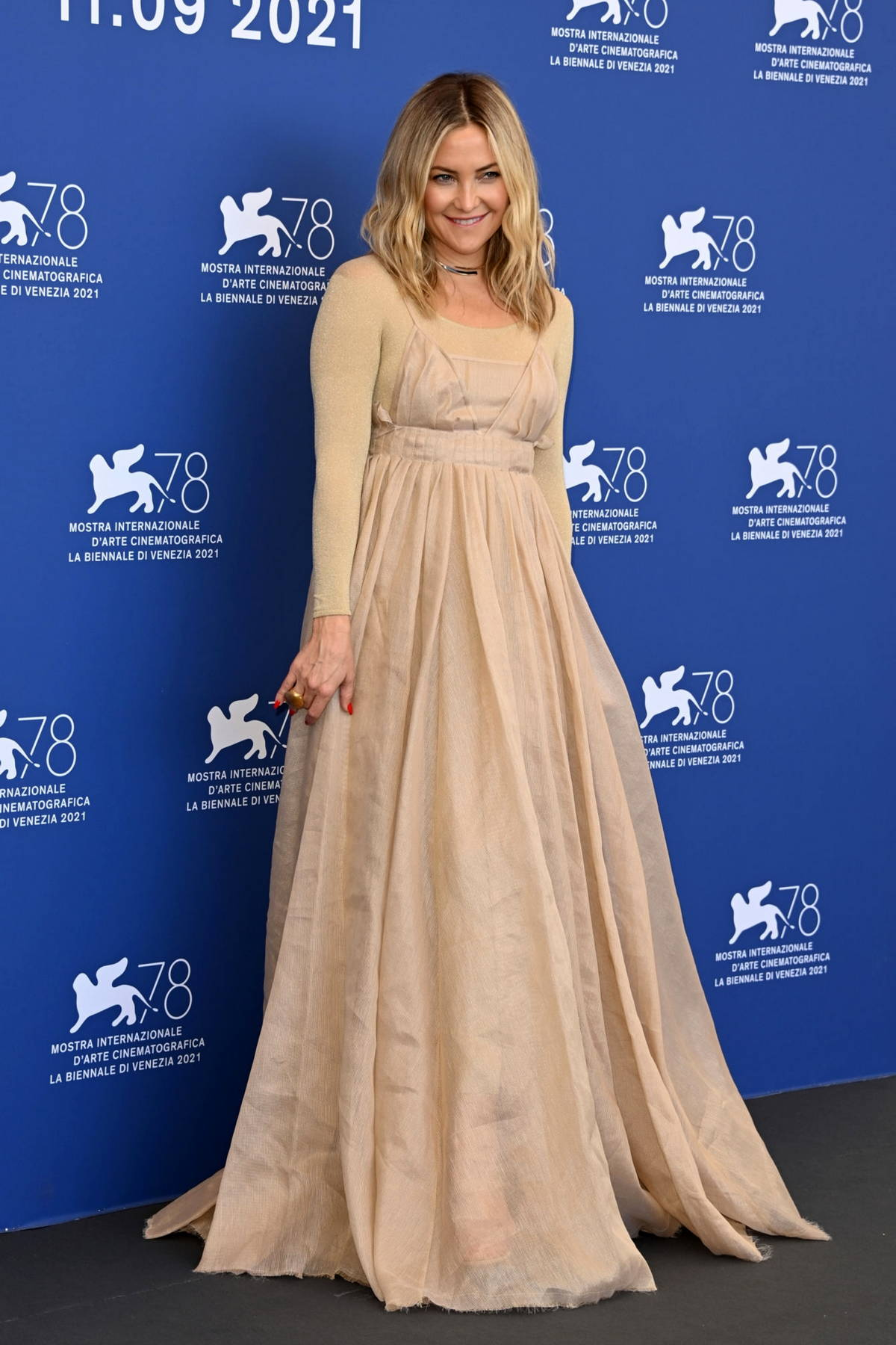 Kate Hudson attends the photocall of 'Mona Lisa And The Blood Moon' during the 78th Venice International Film Festival in Venice, Italy