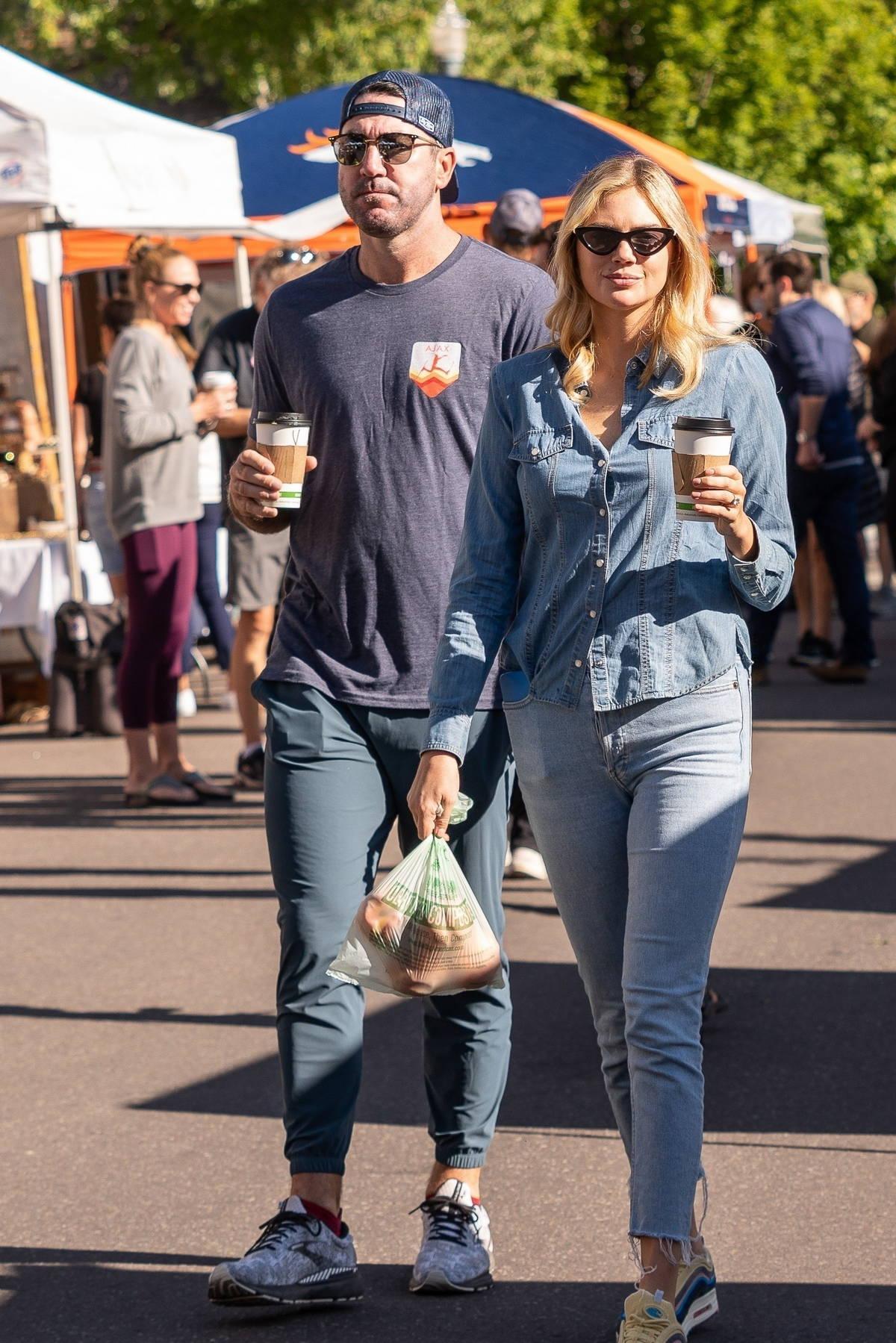 Kate Upton and Justin Verlander enjoy a stroll through the market in Aspen, Colorado