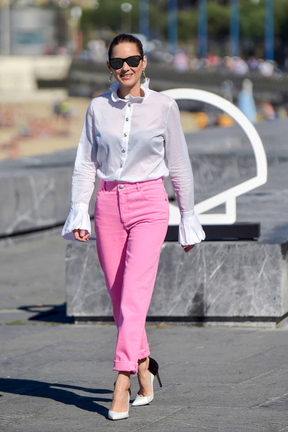 Marion Cotillard attends the Donostia Award photocall during the 69th San Sebastian International Film Festival in San Sebastian, Spain