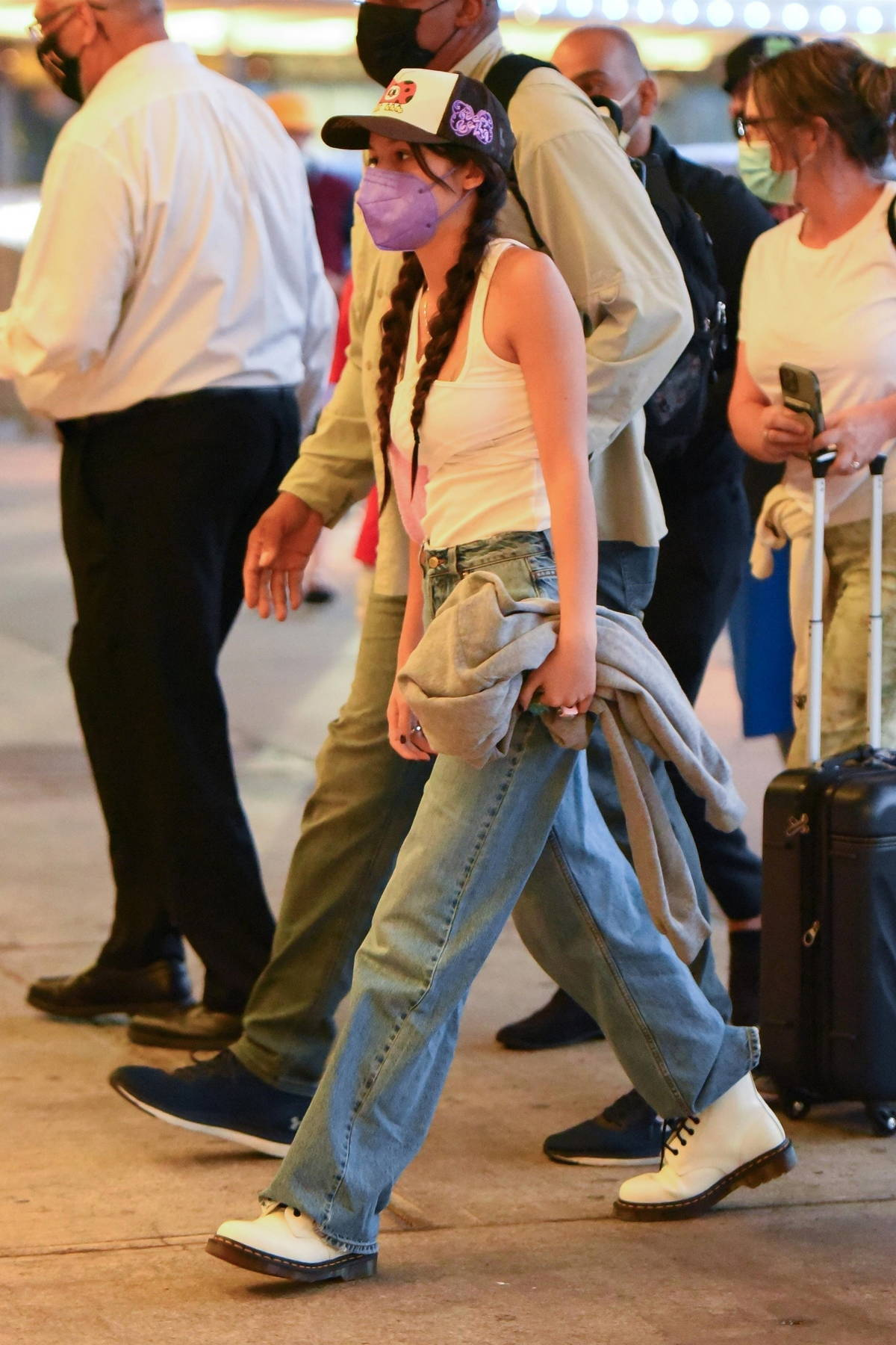 Olivia Rodrigo keeps it casual as she arrives to catch a flight out of JFK Airport in New York City