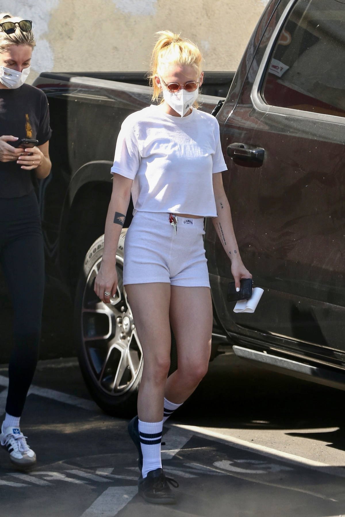 Kristen Stewart flaunts her legs in tiny white shorts while running a few errands in Los Angeles