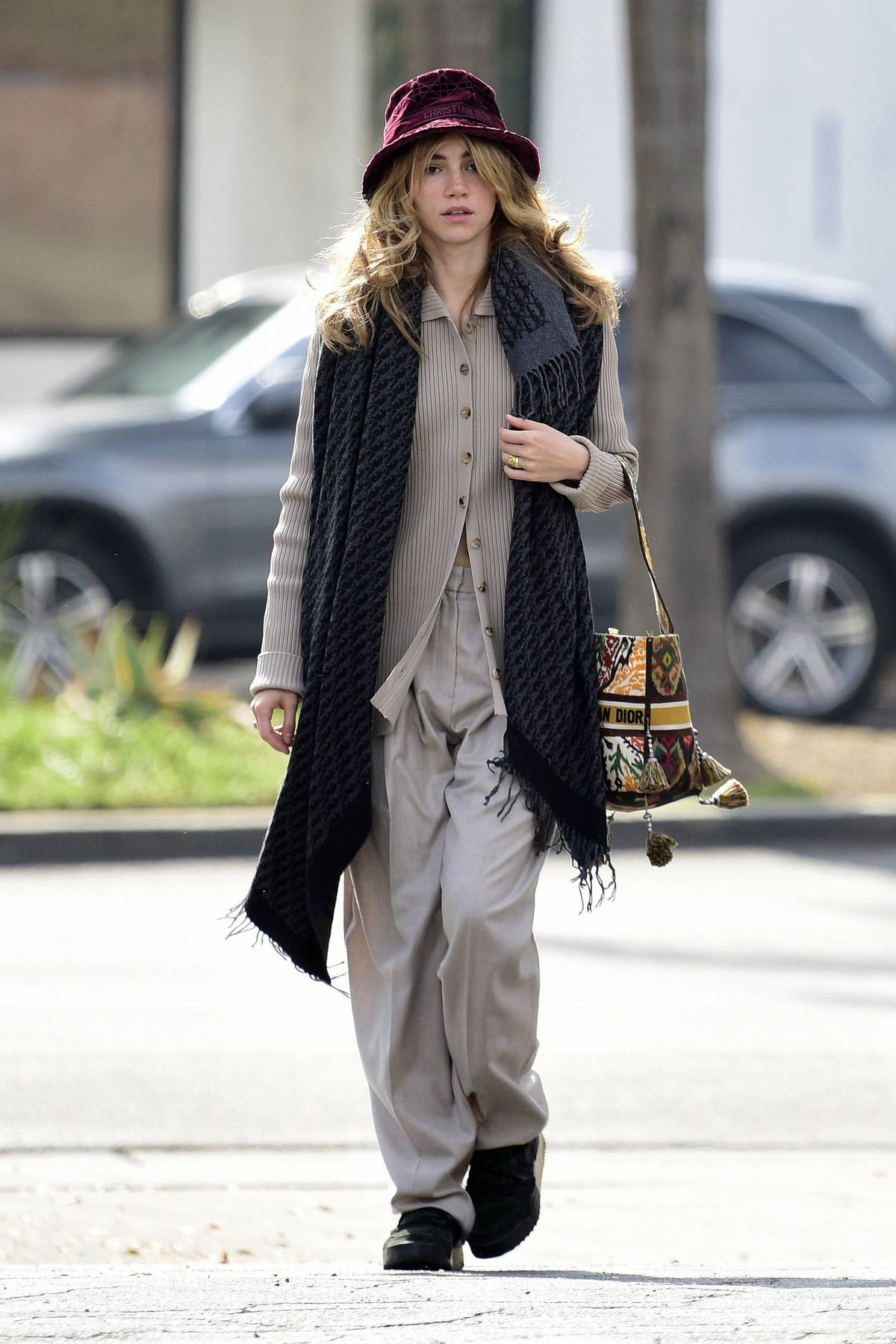 Suki Waterhouse looks casually chic while stepping out in West Hollywood, California