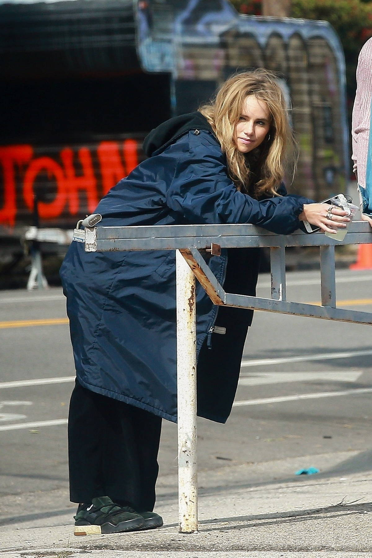 Suki Waterhouse spotted during a break while filming 'Daisy Jones & The Six' in Los Angeles